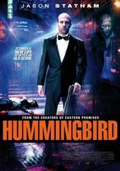 Sinopsis Hummingbird (2013) Joseph Smith adalah mantan tentara khusus yang pergi dari unitnya untuk ditugaskan di Afghanistan dan sekarang hidup sebagai tunawisma yang pemabuk. Suatu malam saat melarikan diri preman yang memeras para tunawisma, ia menerobos masuk ke dalam apartemen dan menemukan pemiliknya, seorang fotografer bernama Damon, yang