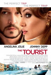 Sinopsis The Tourist (2010) Saat dalam kereta, dalam perjalanan, Frank bertemu seorang wanita cantik bernama Elise Ward (Angelina Jolie). Dari percakapan basa-basi, keduanya mulai semakin akrab. Buat Frank, ini adalah kesempatan buat melupakan patah hati yang baru saja ia alami, apalagi Elise sepertinya juga membuka peluang untuk sebuah hubungan