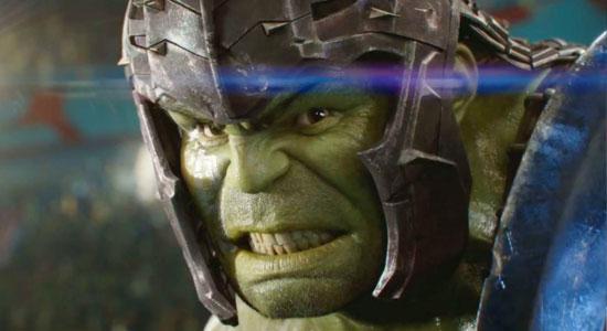 Mark Ruffalo: Tidak Akan Ada Film Hulk Sendirian Di MCU Salah satu bagian menarik dari film Thor: Ragnarok yang akan tayang di bioskop mulai 3 November 2017 ini adalah kehadiran Hulk. Sejak film solo Hulk di tahun 2008 yang dibintangi Edward Norton, Hulk hanya muncul sebagai bagian dari Avengers. Banyak penggemar yang menantikan Mark Ruffalo […]